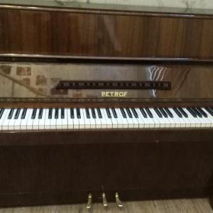 پیانو پتروف