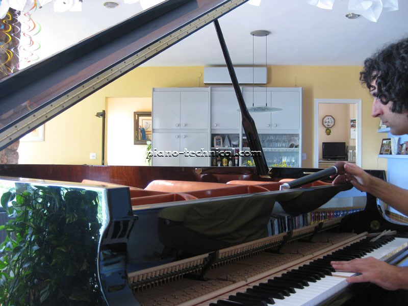 خرید پیانو آکوستیک